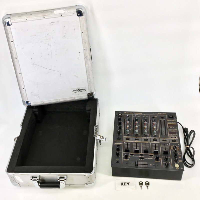 PIONEER DJM-600 MIXER w FLIGHT CASE