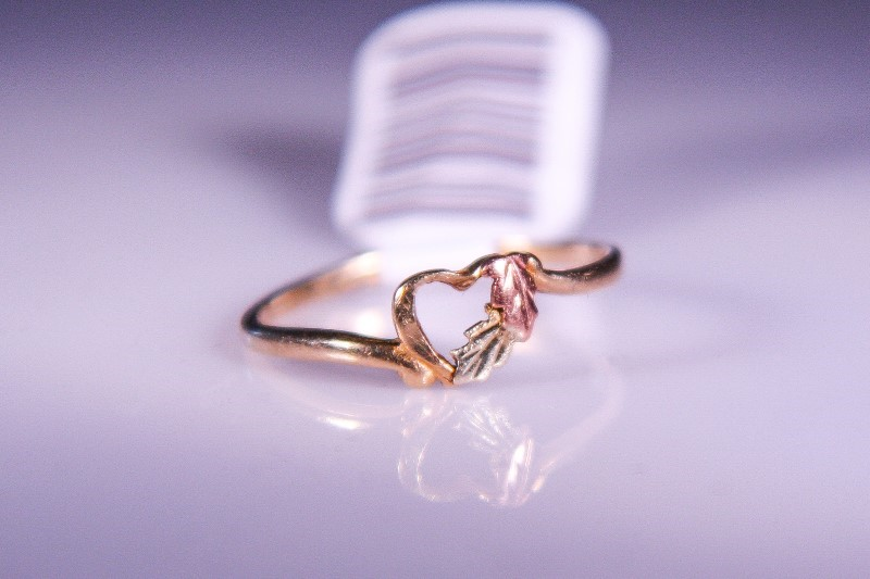 Lady's Gold Ring 10K Tri-color Gold 0.9g Size:6