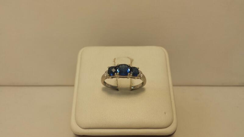 10k White Gold Ring with 3 Blue Stones and 2 Diamond Chips - 1.3dwt - Size 7