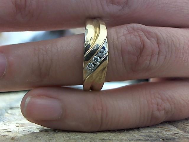 Gent's Gold-Diamond Wedding Band 3 Diamonds .06 Carat T.W. 10K Yellow Gold 7g