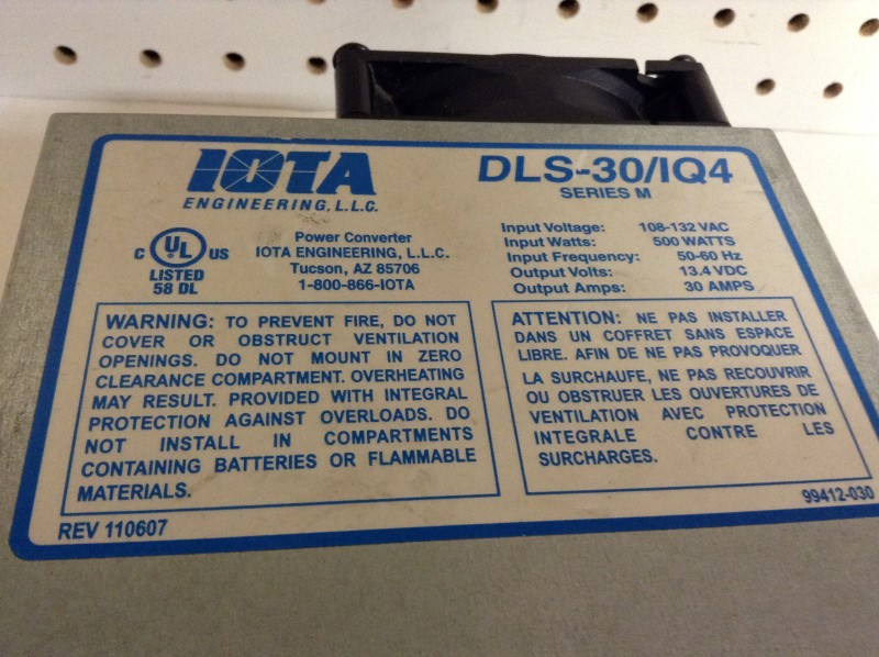 IOTA ENGINEERING Battery/Charger DLS-30/IQ4