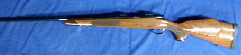 WEATHERBY RIFLE MARK V DELUXE