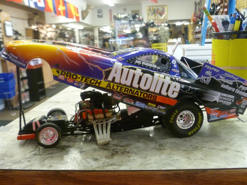 NASCAR COLLECTIBLE TOY CAR