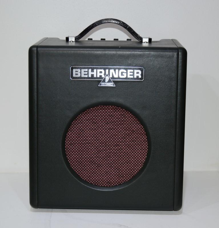BEHRINGER BX108 15W Bass Combo