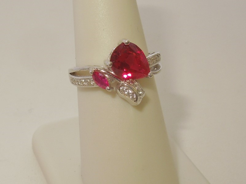 Synthetic Ruby Lady's Silver & Stone Ring 925 Silver 3.3g