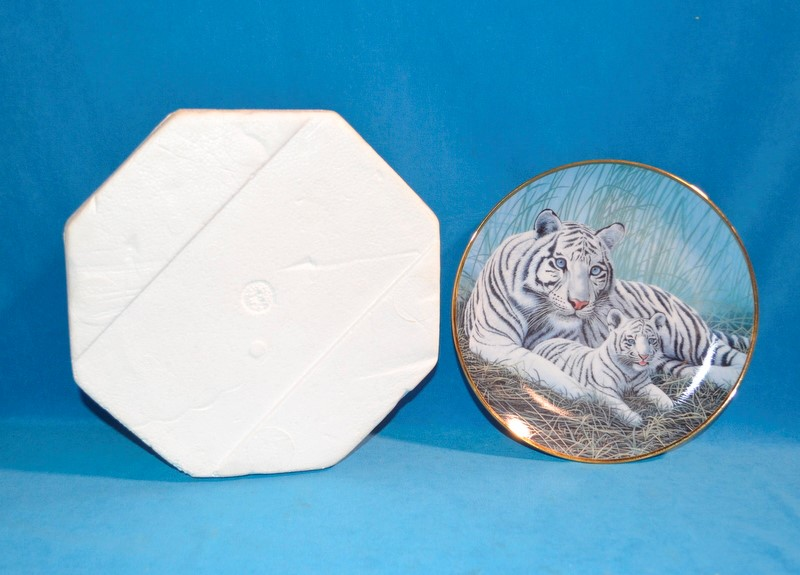 FRANLIN MINT Collectible Plate WHITE TIGERS K5330 MICHAEL MATHERLY