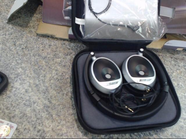 BOSE Headphones SOUND TRUE ON-EAR HEADPHONES