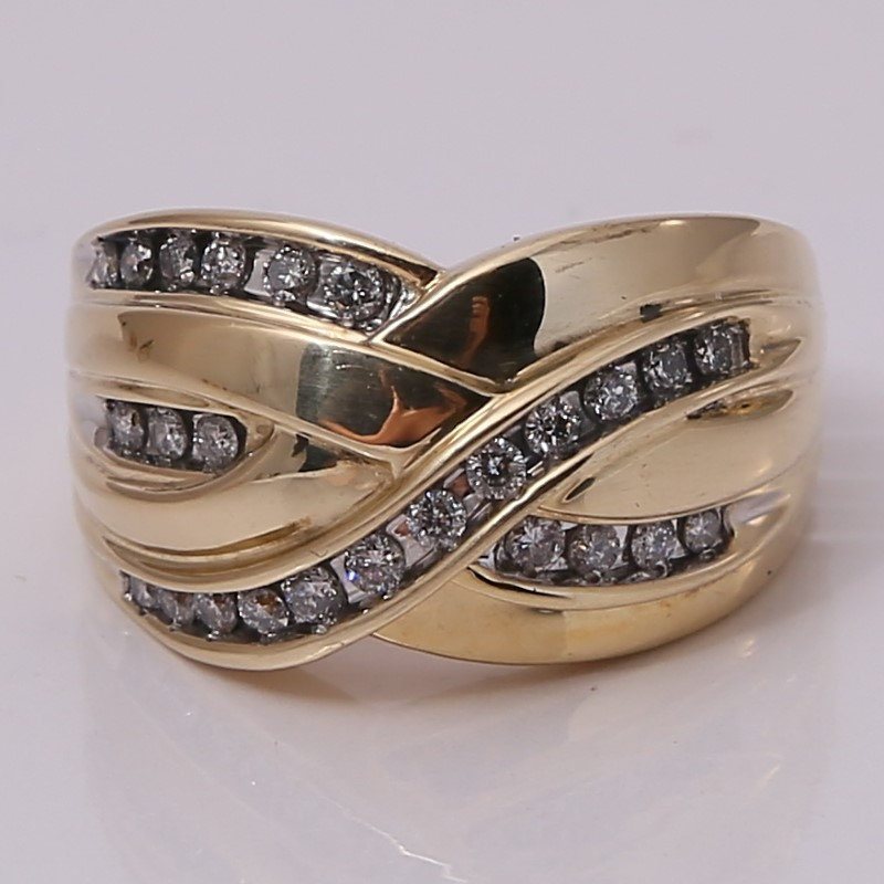 14K Intertwined Channel Set Round Brilliant Diamond Ring Size 8.25