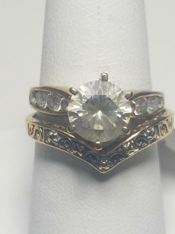 WHITE STONE(S) White Stone Lady's Stone Ring 10K Yellow Gold 3.55dwt