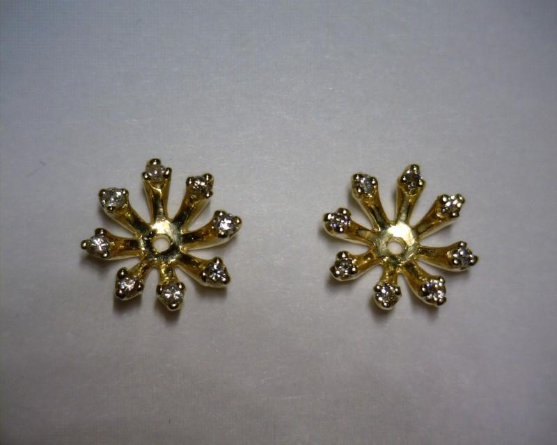 Gold-Diamond Earrings 16 Diamonds .16 Carat T.W. 14K Yellow Gold 0.9dwt