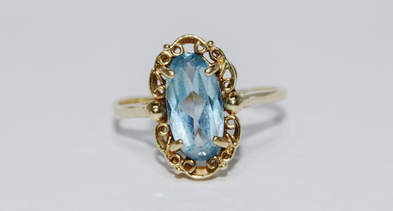 10K Yellow Gold Vintage Inspired Filigree Bezel Oval Aquamarine Cocktail Ring