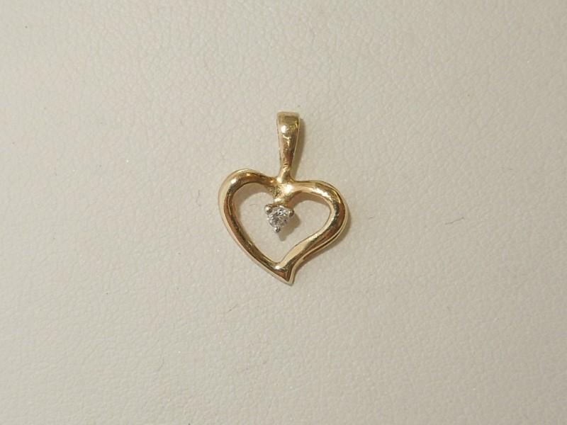 Gold-Diamond Solitaire Pendant .01 CT. 10K Yellow Gold 0.7g