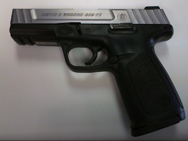 SMITH & WESSON Pistol SD940 VE