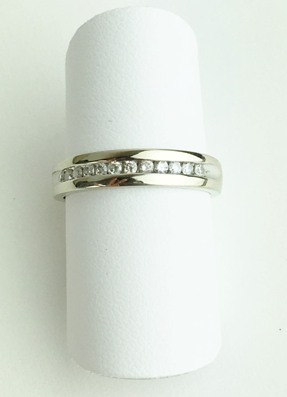 Diamond Wedding Band 12 Diamonds .24 Carat T.W. 14K White Gold 2.82g Size 5.5