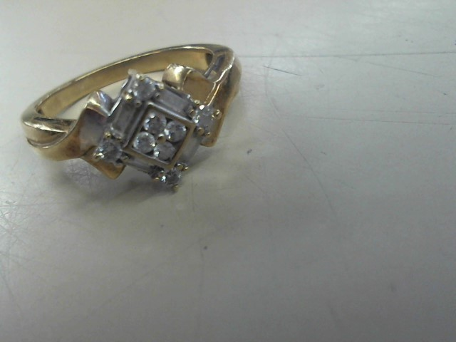 Lady's Diamond Cluster Ring 12 Diamonds .24 Carat T.W. 10K Yellow Gold 3g