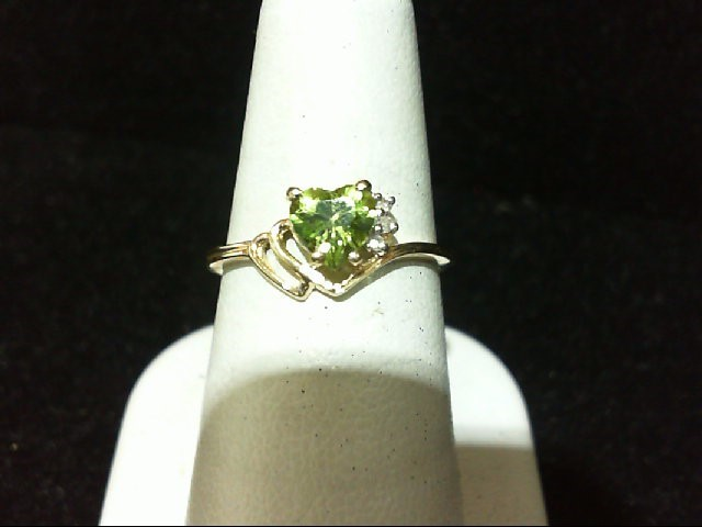 Peridot Lady's Stone & Diamond Ring 3 Diamonds .03 Carat T.W. 10K Yellow Gold