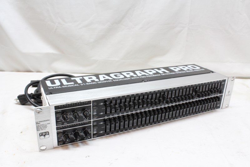 BEHRINGER Rack Gear ULTRAGRAPH PRO FBQ3102