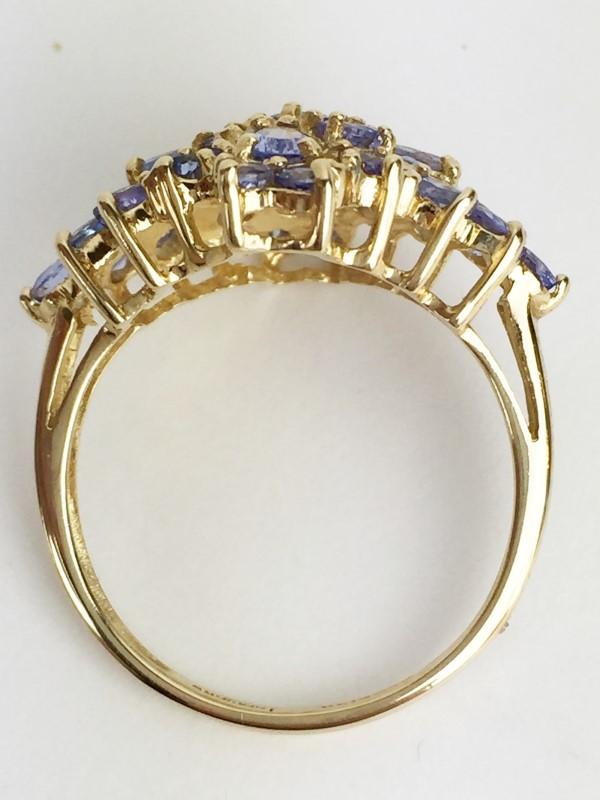 Tanzanite 2.2cts 29st 14kt Yellow Gold 3.8g Ring