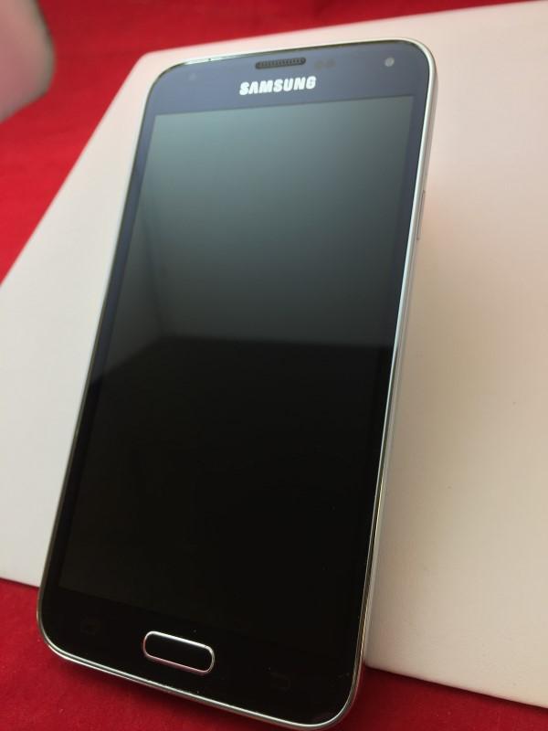 SAMSUNG GALAXY S5 - SM-G900V - VERIZON - 16GB CHARCOAL BLK