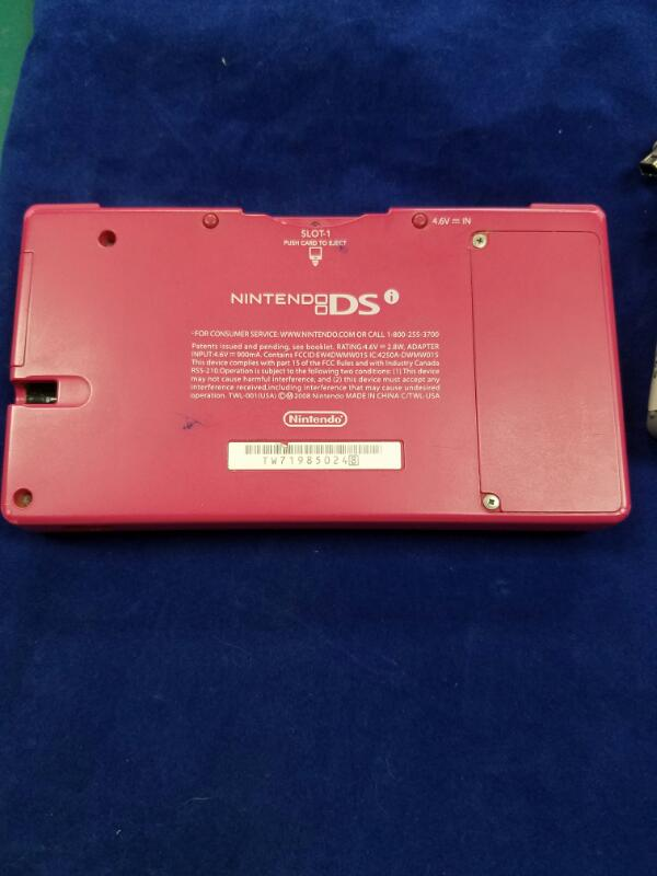 Nintendo DS DSI - HANDHELD GAME CONSOLE