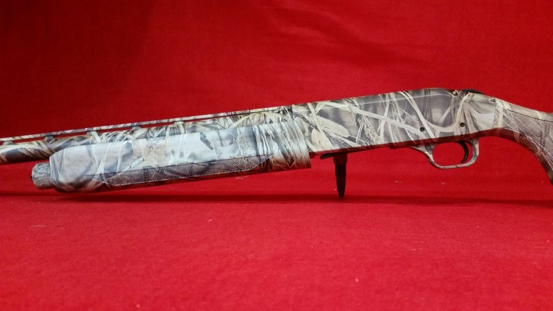 "Mossberg 935 Magnum Waterfowl 12ga / 28"" Semi-Auto Shotgun"