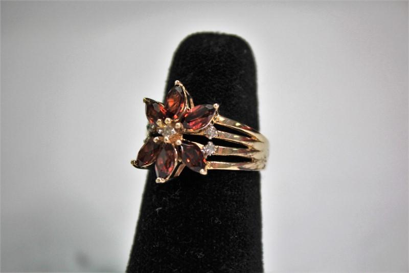 Garnet Lady's Stone & Diamond Ring