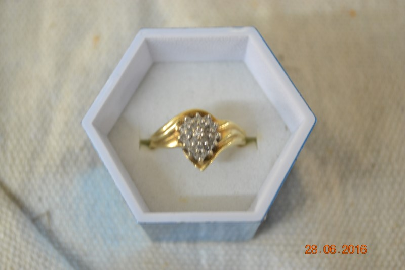 Lady's Diamond Cluster Ring 20 Diamonds .40 Carat T.W. 10K Yellow Gold 3.4g