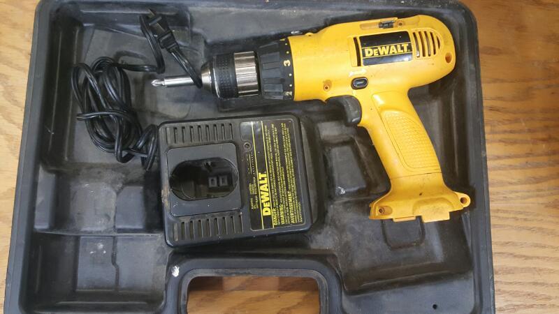 DEWALT Cordless Drill DW952