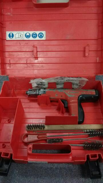 Hilti DX-35 Powder Actuated Nail Gun Fastening Systems Tool w/ Hard Case