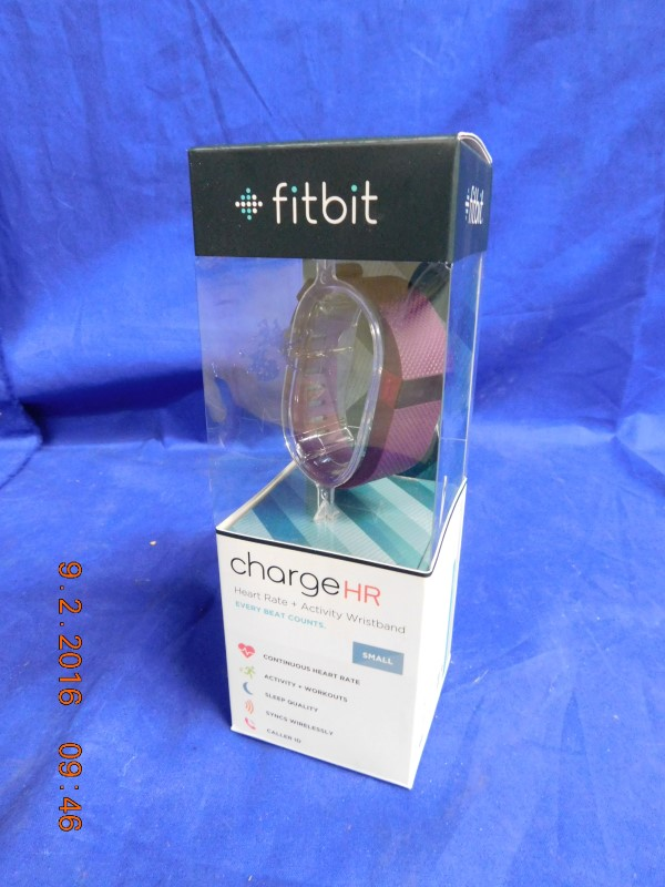 FITBIT CHARGE HR - NEW IN BOX