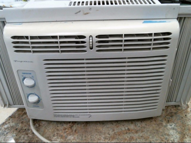 FRIGIDAIRE Air Conditioner AIR CONDITIONER