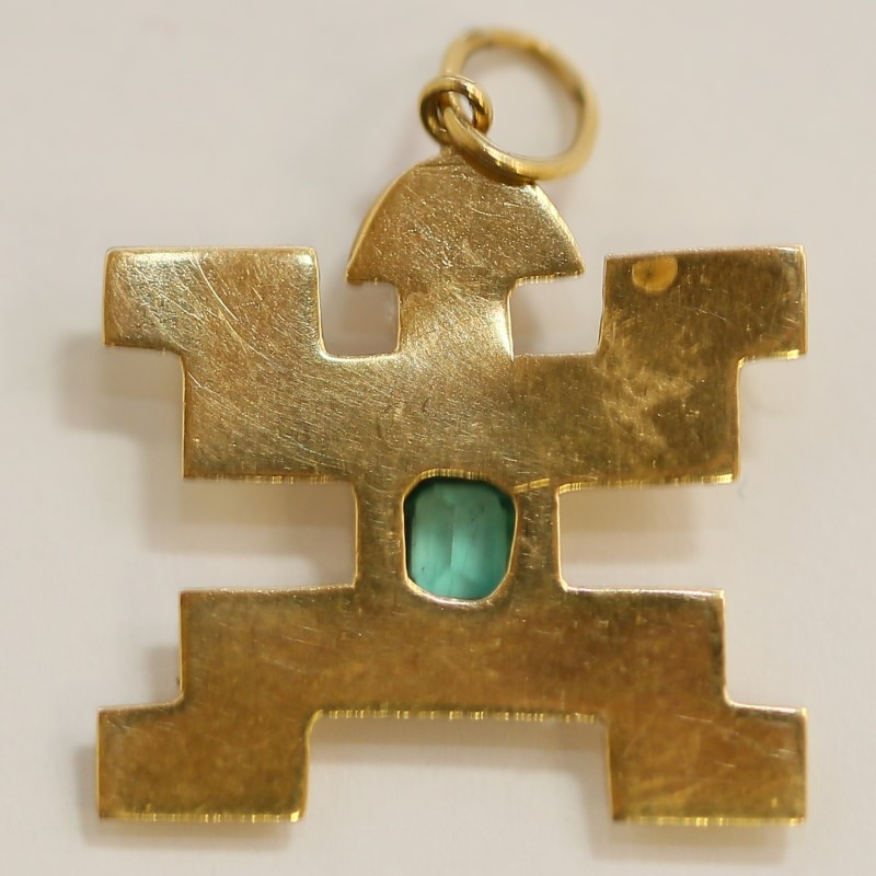 18K Yellow Gold Emerald Solitaire Aztec Art Pendant