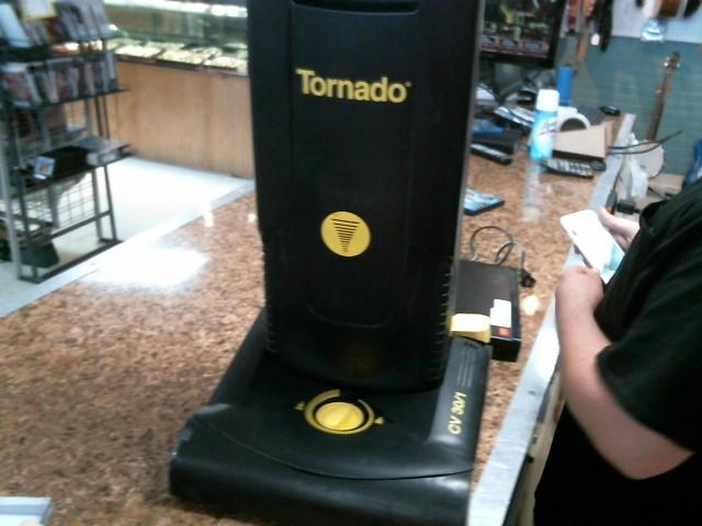 TORNADO Vacuum Cleaner CV 30/1