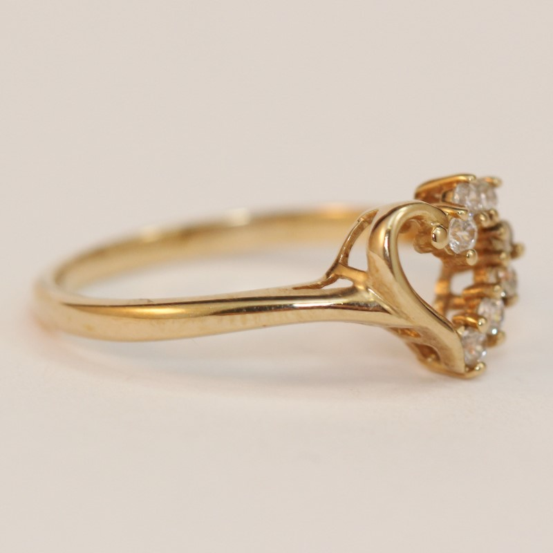 10K Yellow Gold Heart Shaped Half White Stone Ring Size 7