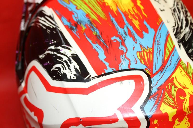 Fox Dirt Bike Motocross V1 Pestilence 2013 MX Helmet MEDIUM