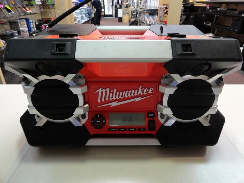 Milwaukee 2790-20 Jobsite Radio