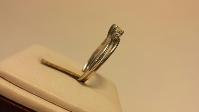 14k White Gold Ring with 3 Diamonds at .48ctw - 2.4dwt - Size 9