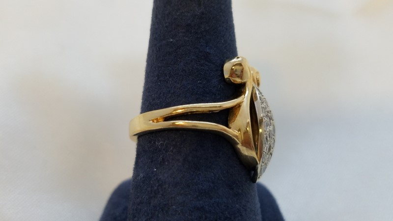 Ladies Cluster Victorian Style Ring 16 Diamonds .32CTW Yellow Gold