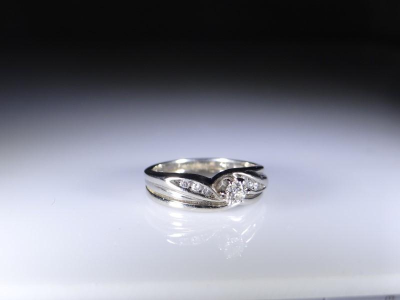 Lady's Diamond Wedding Set 7 Diamonds .13 Carat T.W. 14K White Gold 3.5g