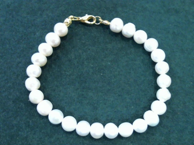 Synthetic Pearl Stone Bracelet 18.2g
