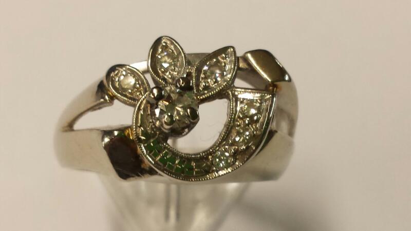 Lady's Diamond Cluster Ring 7 Diamonds .21 Carat T.W. 14K White Gold 3.96dwt