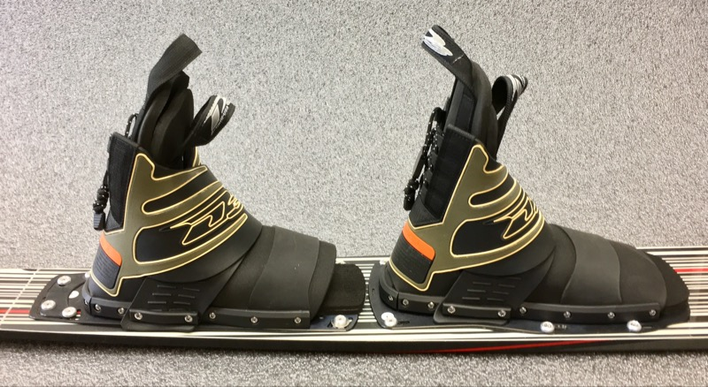 """D3 QUEST 68"""" WATER SKI WHITE BLACK AND RED"""