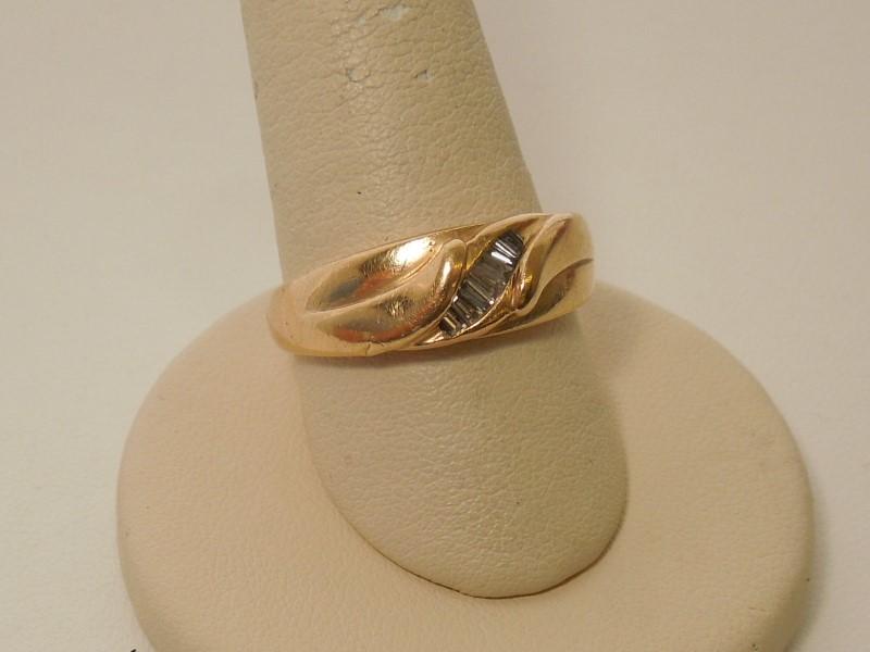 Gent's Diamond Fashion Ring 7 Diamonds .18 Carat T.W. 14K Yellow Gold 5.8g