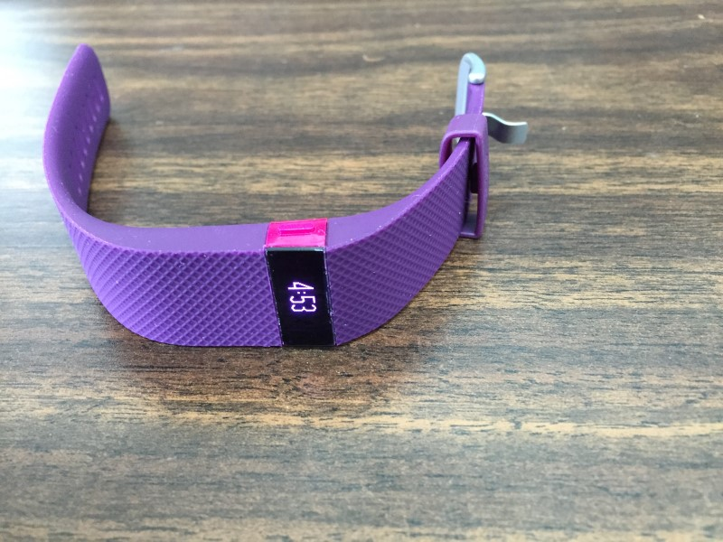 FITBIT PLUM COLOR CHARGE HR SIZE SMALL