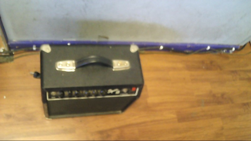 FENDER Electric Guitar Amp SQUIER 15 - AMP