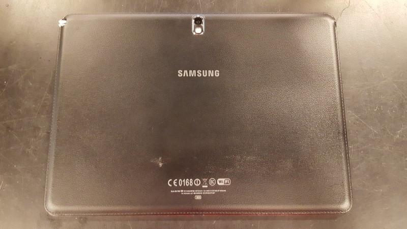 SAMSUNG Tablet SM-P600