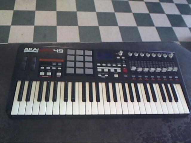 AKAI Keyboards/MIDI Equipment MPK49