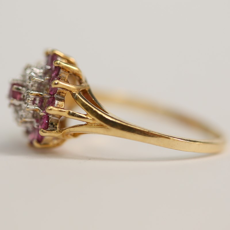 10K Yellow Gold Round Pink Stone & Brilliant Diamond Ring Size 8