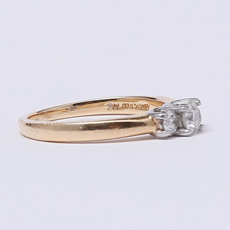 14K Yellow Gold 3 Stone Round Brilliant Diamond Ring Size 6.75