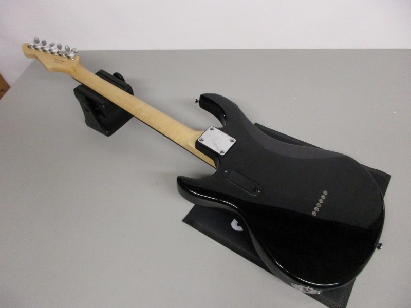 PEAVEY ROCKMASTER ELECTRIC GUITAR
